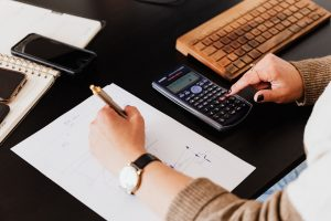 Książka przychodów i rozchodów – jak ją prowadzić?